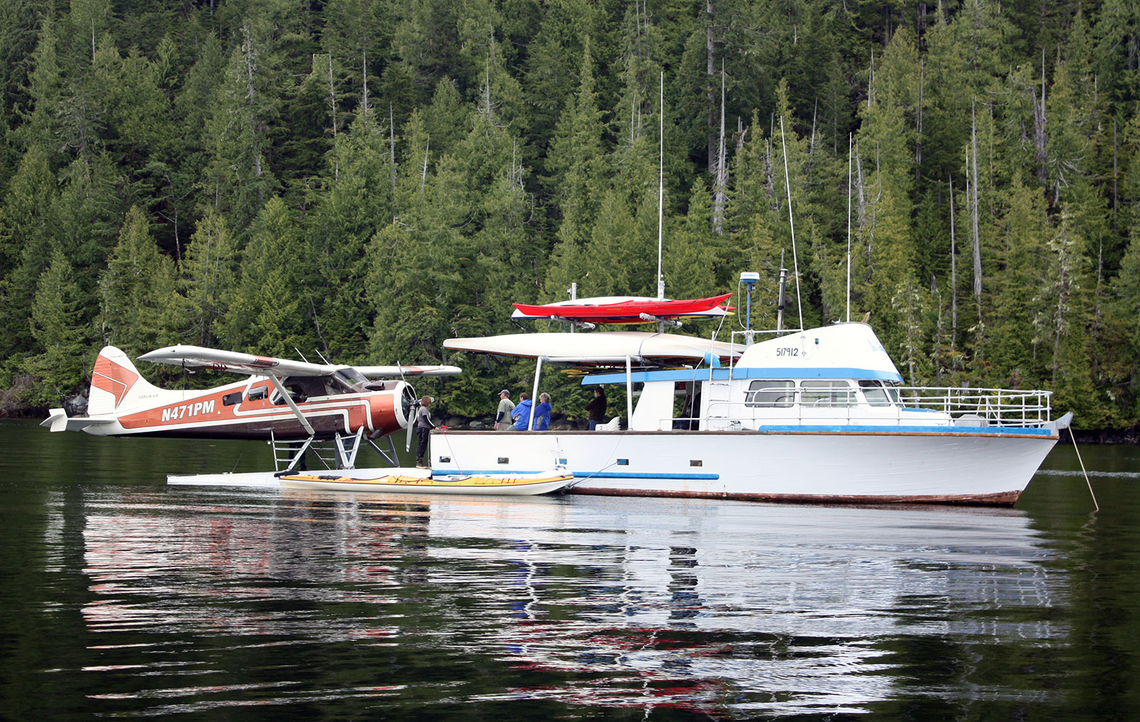 Ketchikan Flightseeing and Kayaking Tours